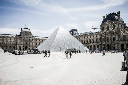 the-louvre-691930_640